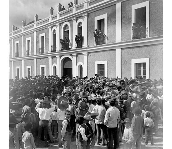 Paro de labores de fábrica de textiles río blanco (Veracruz)
