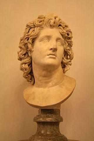 Alejandro Magno se convierte en rey de Grecia.