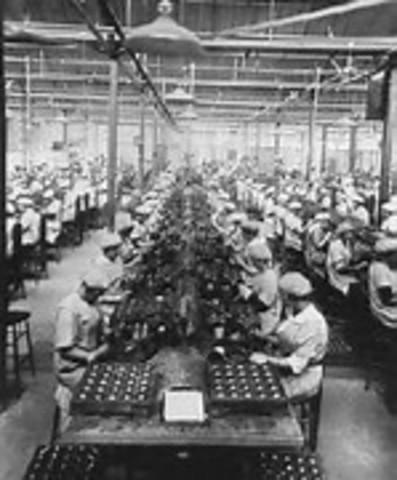 Tercera etapa: La baja producción manufacturera a la dependencia petrolera (1970- 1982)