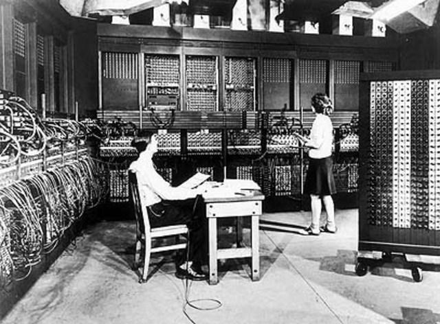 Creación de la 1era Computadora (No tenía un sistema operativo)