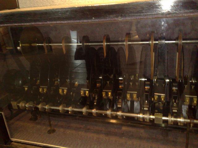 Superpiano mit Lichttontechnik