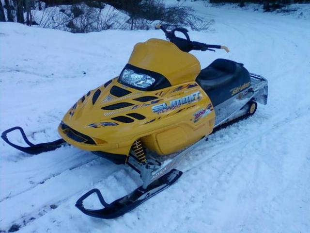 """The """"Summit 700"""" Is Named Mountain Muscle Sled Of The Year By SnoWest Magazine"""