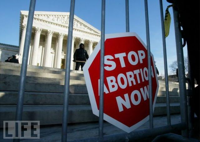 Supreme Court rules to legalize abortion in the Roe v. Wade case