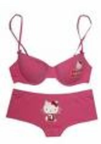 Mary Phelps Jacob invents the bra.