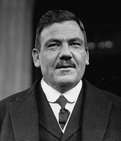 PLUTARCO ELÍAS CALLES (1878-1945)