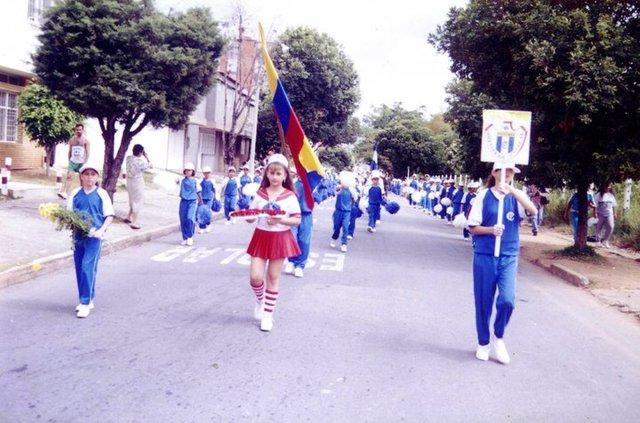Desfile Del Colegio
