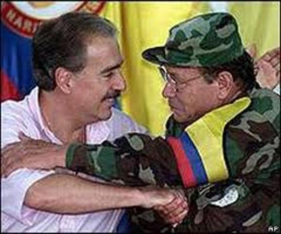 """Las FARC negocian  """"zona de distensión"""""""