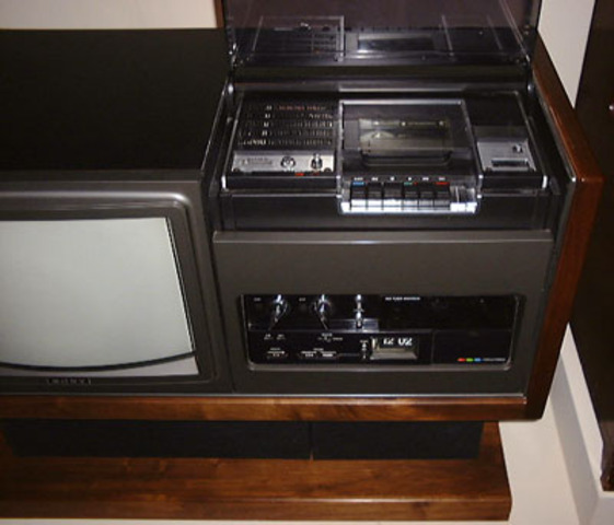 Sony Betamax Combination TV/VCR Released in the U.S.