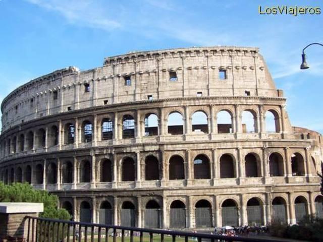 Viajo a Roma con mi hermana y mi tía.