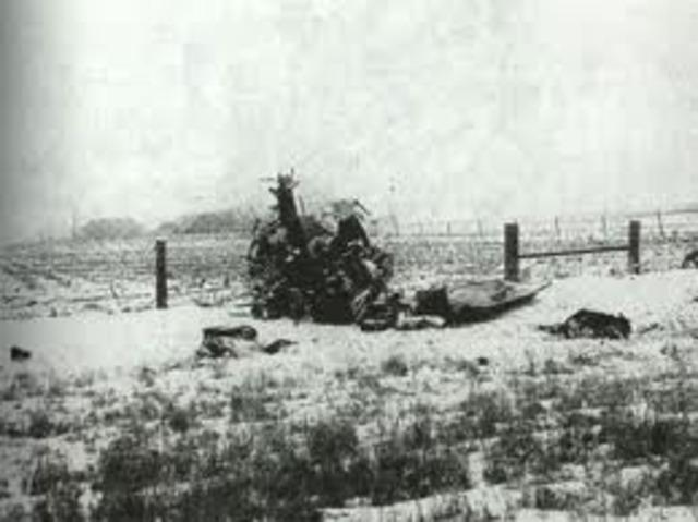 a los 17 años, Ritchie murió en accidente aéreo