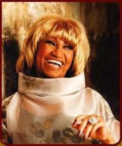 """Celia recivio su primer Grammy de la mejor interpretación Tropical Americana con Ray Barretto con la cancion """"Ritmo En El Corazon"""""""