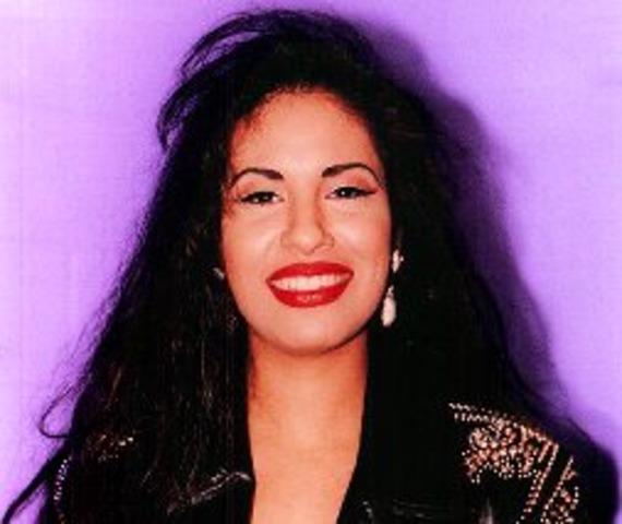 Selena Quintanilla Perez nació el 16 de Abril 1971.