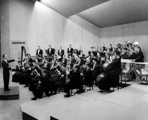 Frederick Fennell founds Eastman Wind Ensemble