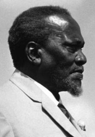Jomo Kenyatta becomes leader of KAU