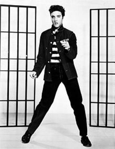 Elvis Presley, Started music career