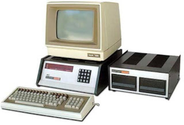 Mits creó el altair 8800 un computador, pequeño y barato