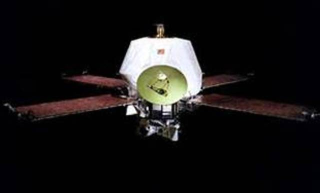 Mariner 9 Comes in Contact