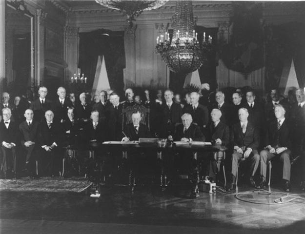 Germany, France, and US Sign Kellogg-Briand Pact