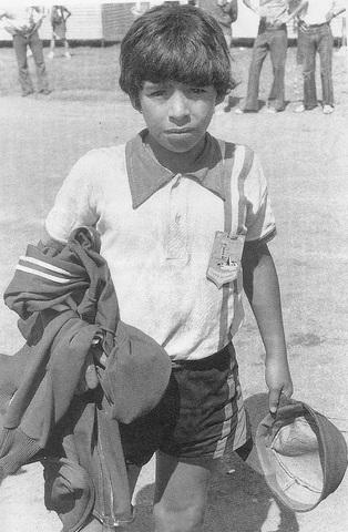 A los nueve años llega al Argentinos Júniors