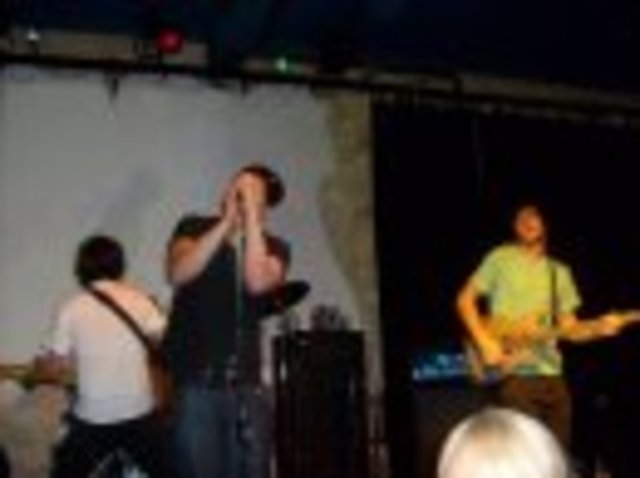 Start performances on the Local Melbourne Music scene