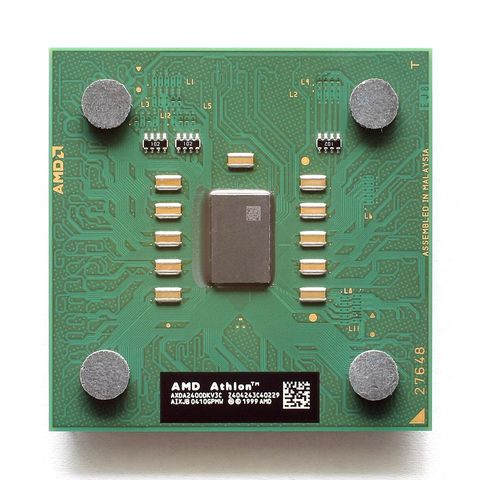 2001: El AMD Athlon XP