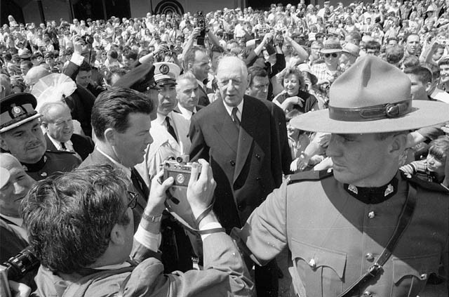 Charles De Gaulle Angers English Canadians