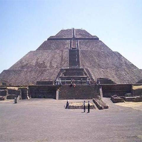 1-150, Teotihuacán: Se construye la piramide del sol