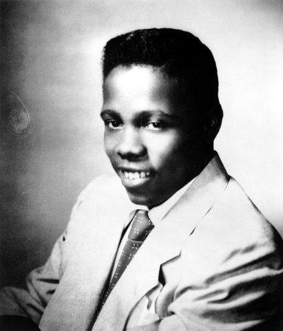 Johnny Ace dies from accidental shooting