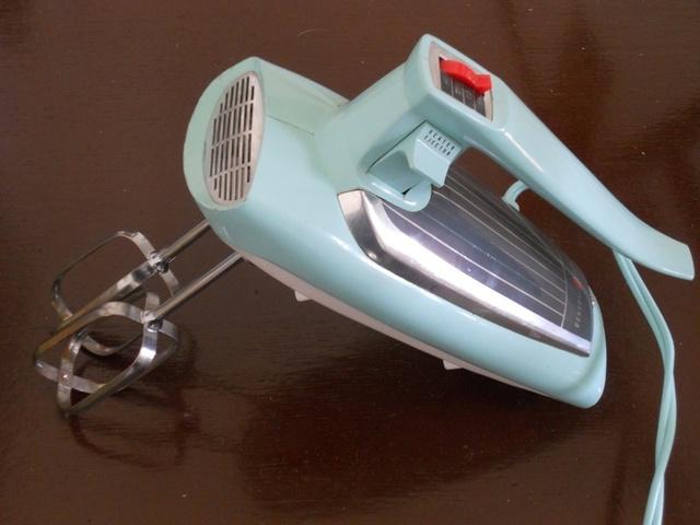 Electric Handheld Mixer