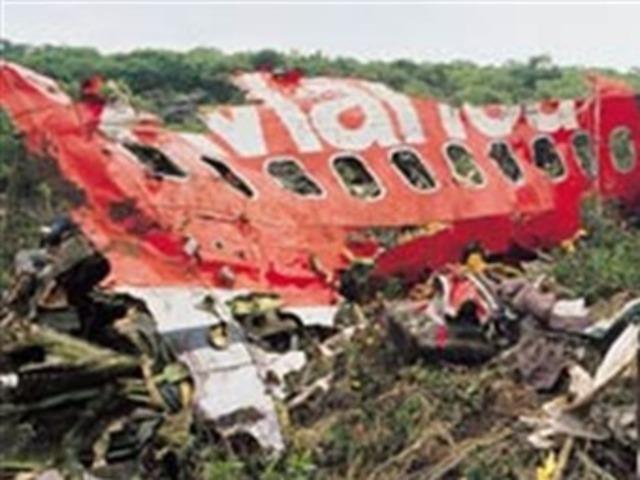 estalla bomba en avion de Avianca