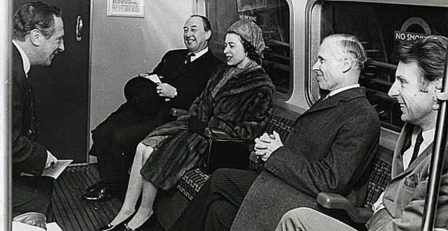 Se Inaugura el Metro de Londres