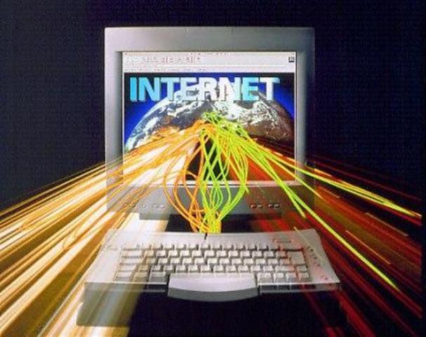 1990 nace Internet