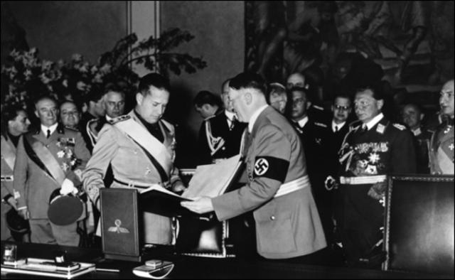 Firma del pacto de Acero