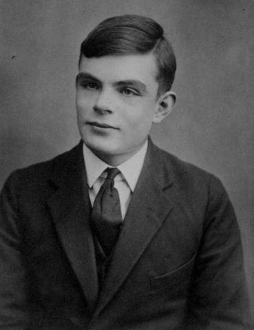 El matemático inglés Alan Turing, establece los principios teóricos del computador