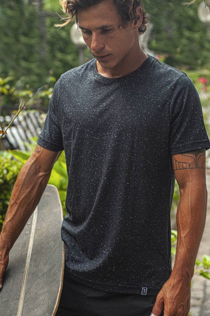 Camiseta Botonê Nigth Clips