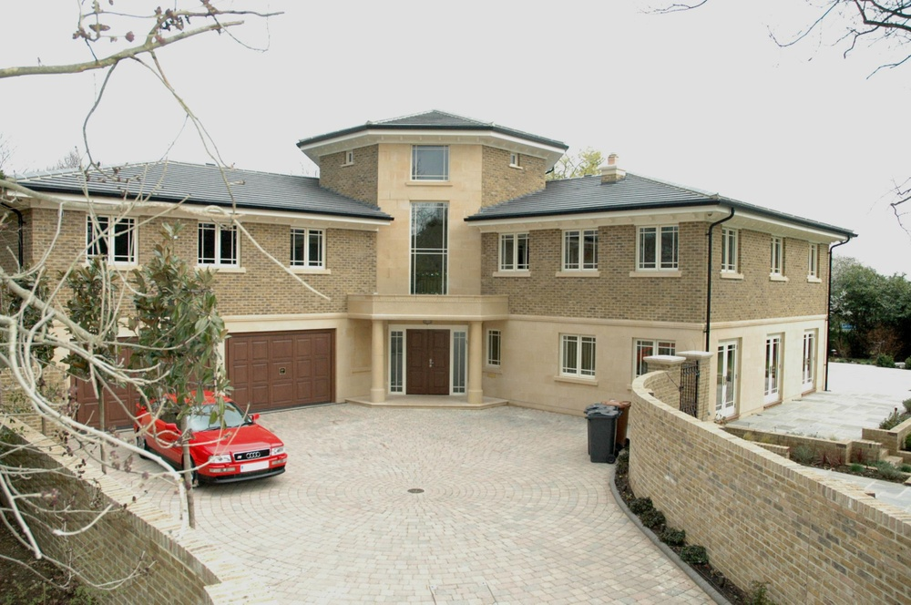 Pynnacles Close, Stanmore