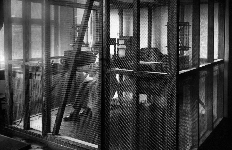 (GERMANY OUT) German Empire Free State Prussia - Brandenburg Provinz (Province) - Berlin: Faraday cage in the Haus des Rundfunks - Photographer: Photo Meier- Published by: 'Berliner Illustrirte Zeitung' 37/1931Vintage property of ullstein bild (Photo by ullstein bild/ullstein bild via Getty Images)