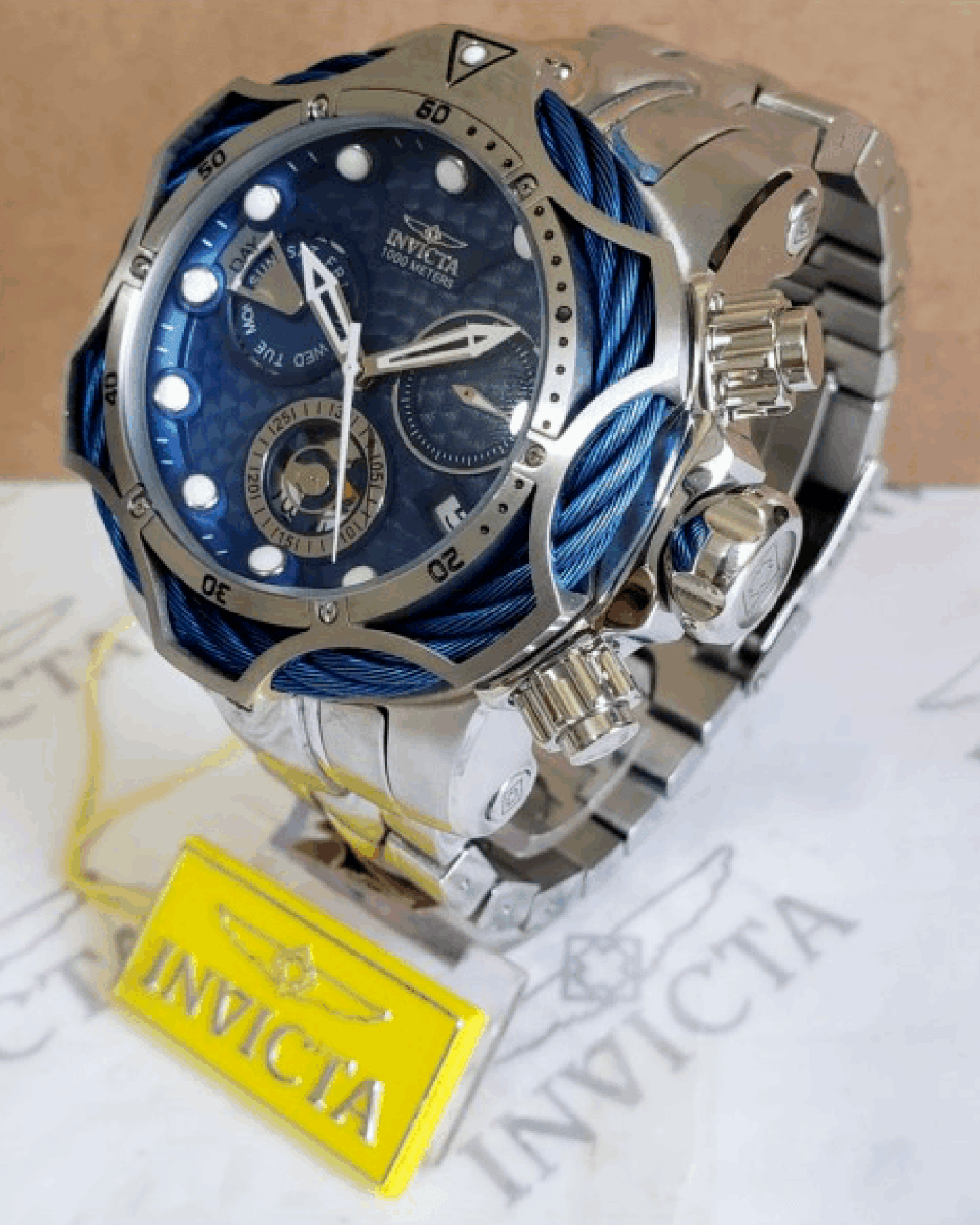 INVICTA VENON HAS TAG