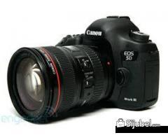 Canon EOS 5D Mark III Camera