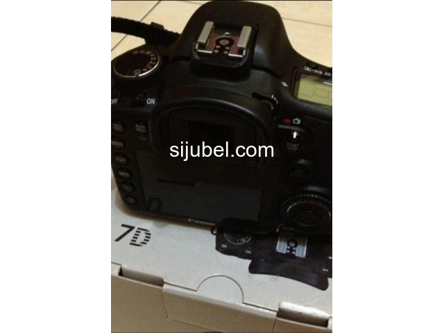 Canon Eos 7D Kit 18-55mm - 1/2
