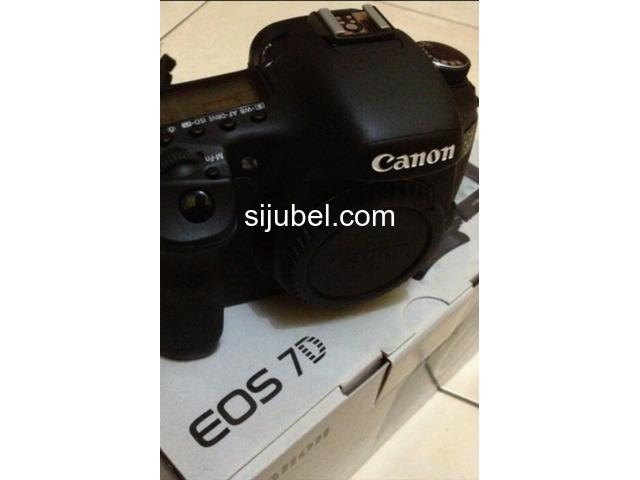 Canon Eos 7D Kit 18-55mm - 1/1