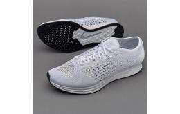Sepatu Nike Flyknit Racer White Sail Pure Platinum - Gambar 2/2