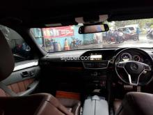 Dijual Mercy E300 Avantgarde AMG 2013 Black on Brown - Gambar 7/9