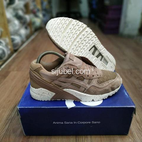 Sepatu Asics Gel Sight Phyton Taupe Grey - 2/4