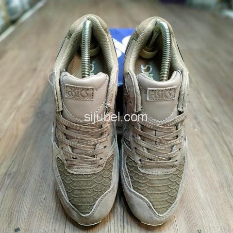 Sepatu Asics Gel Sight Phyton Taupe Grey - 3/4