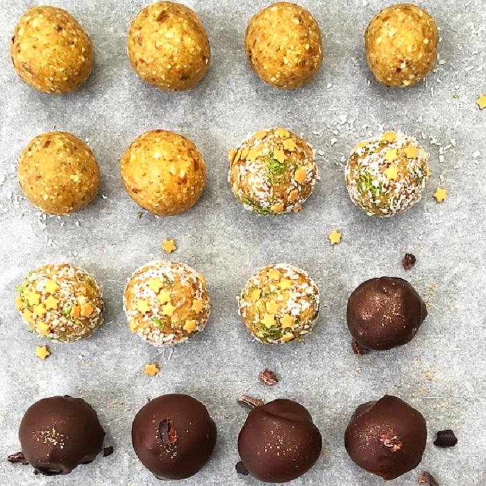 Energy balls mangue, noix de coco, citron vert et noix de cajou.