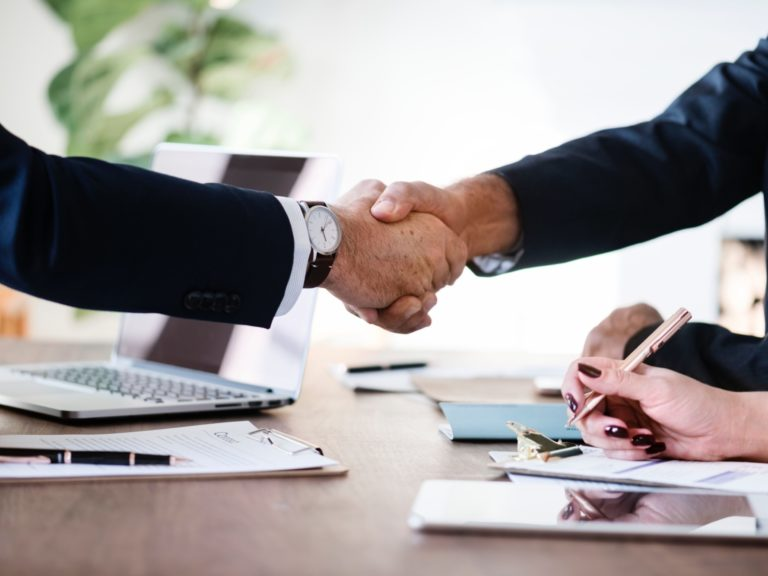 Handshake Business Rawpixel 567016