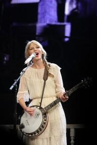 Taylor Swift Banjo Rinaldi