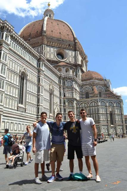 Students discover Florence on their summer teen tour to Italy.