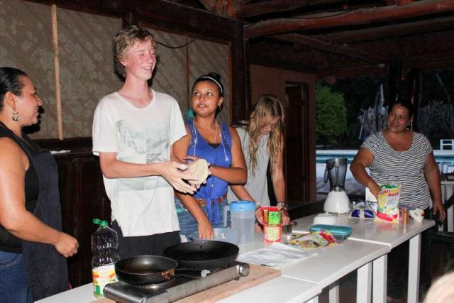 Students learn how to cook local cuisine on summer teen tour in Costa Rica.